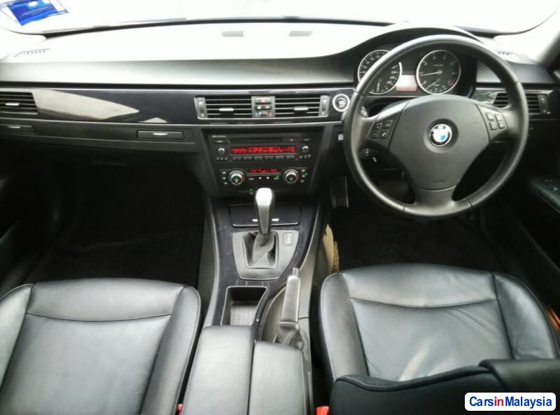 BMW 3 Series Automatic 2009 - image 10