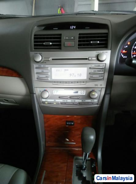 Toyota Camry Automatic 2010 - image 10