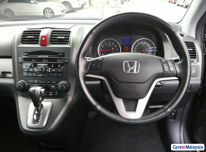 Honda CR-V Automatic 2010 - image 10