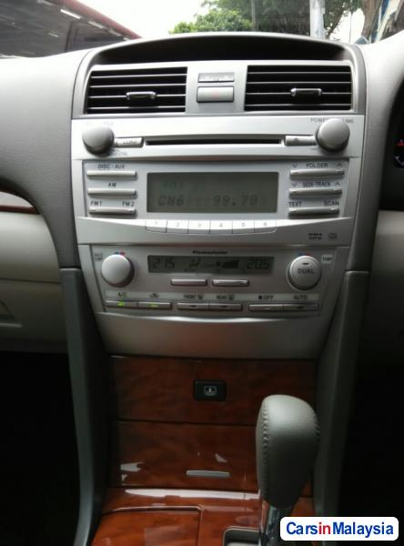 Toyota Camry Automatic 2011 - image 11
