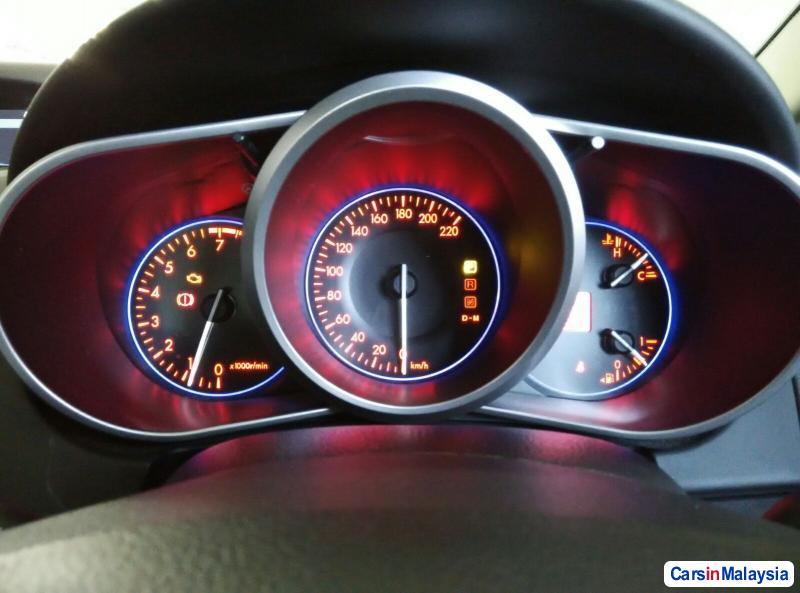 Mazda CX-7 Automatic 2010 - image 11