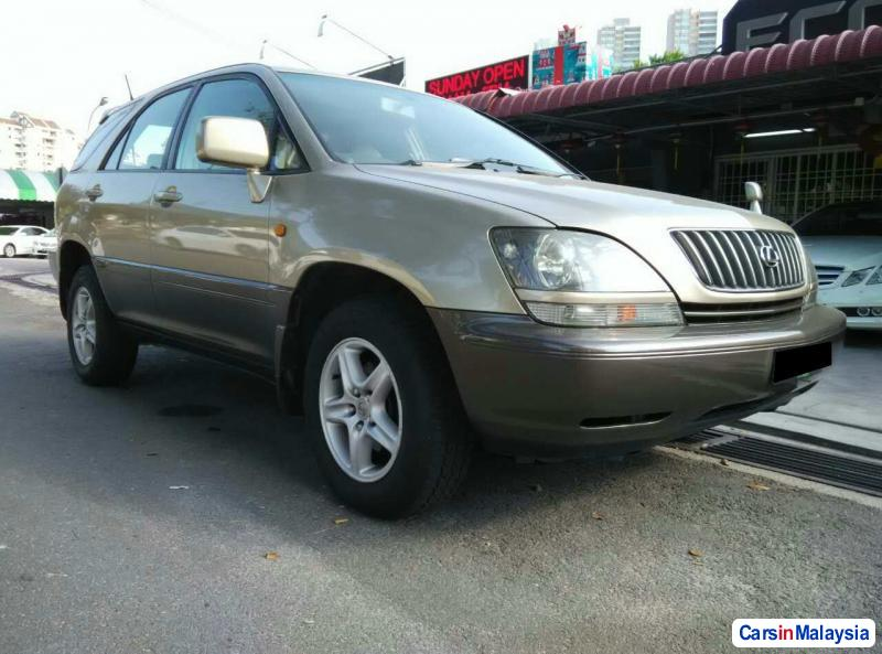 Picture of Toyota Harrier Automatic 1998