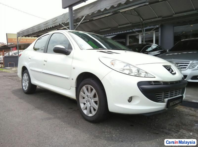 Picture of Peugeot 207 Automatic 2011