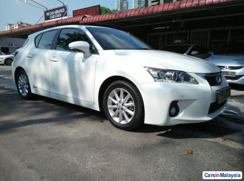 Picture of Lexus CT Automatic 2012