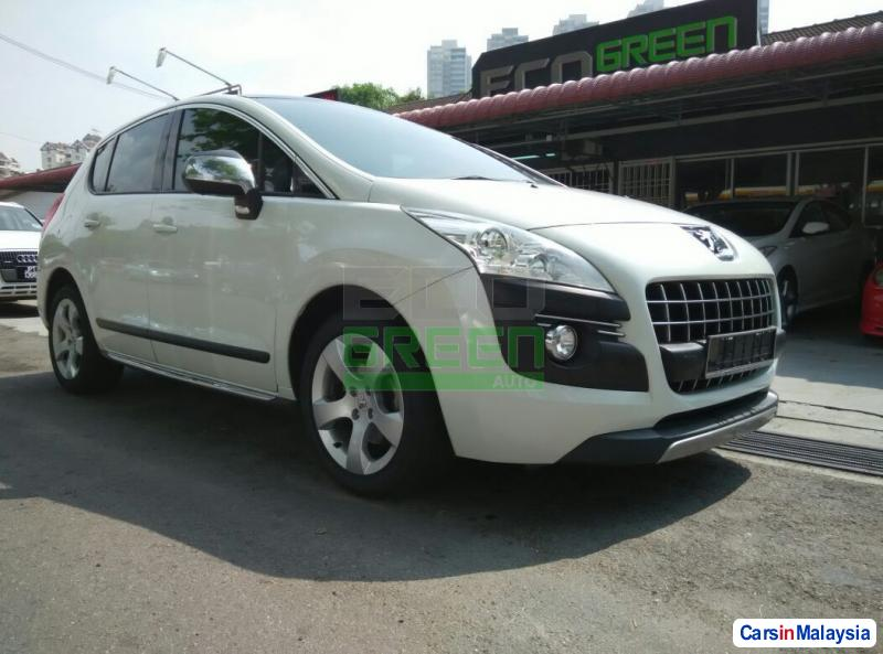 Pictures of Peugeot 3008 Automatic 2012