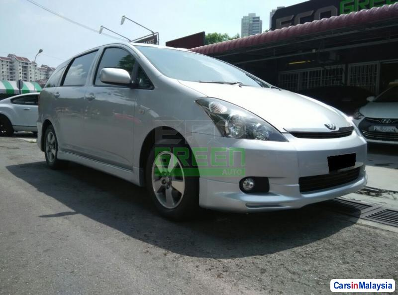 Picture of Toyota Wish Automatic 2004