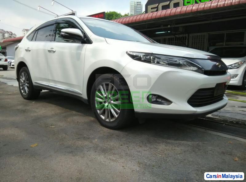 Picture of Toyota Harrier Automatic 2014