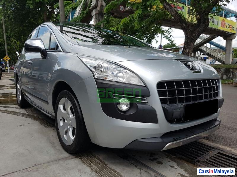 Picture of Peugeot 3008 Automatic 2012