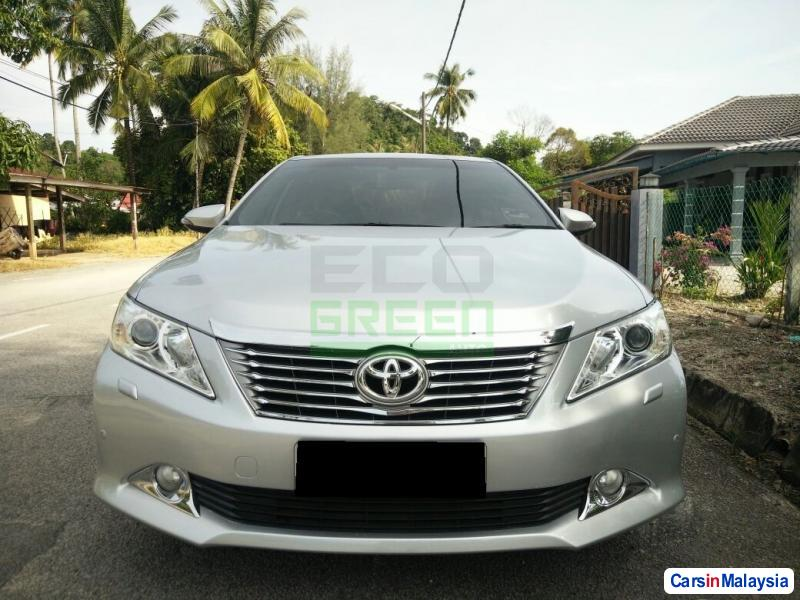 Toyota Camry Automatic 2012 - image 2