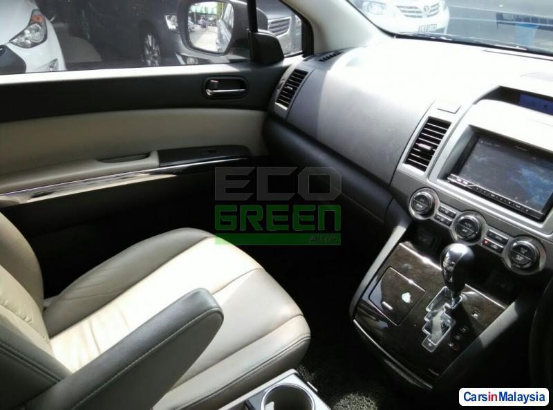 Mazda 8 Automatic 2011 - image 9