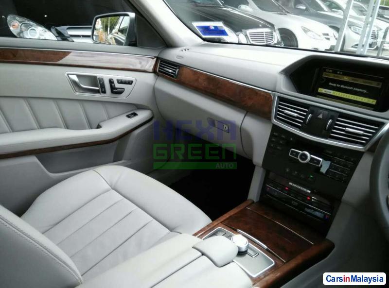 Mercedes Benz E200 Automatic 2007 - image 10