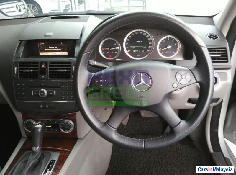 Mercedes Benz C-Class 2008 - image 10