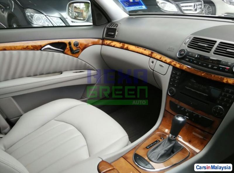 Mercedes Benz E200K Automatic 2007 - image 10