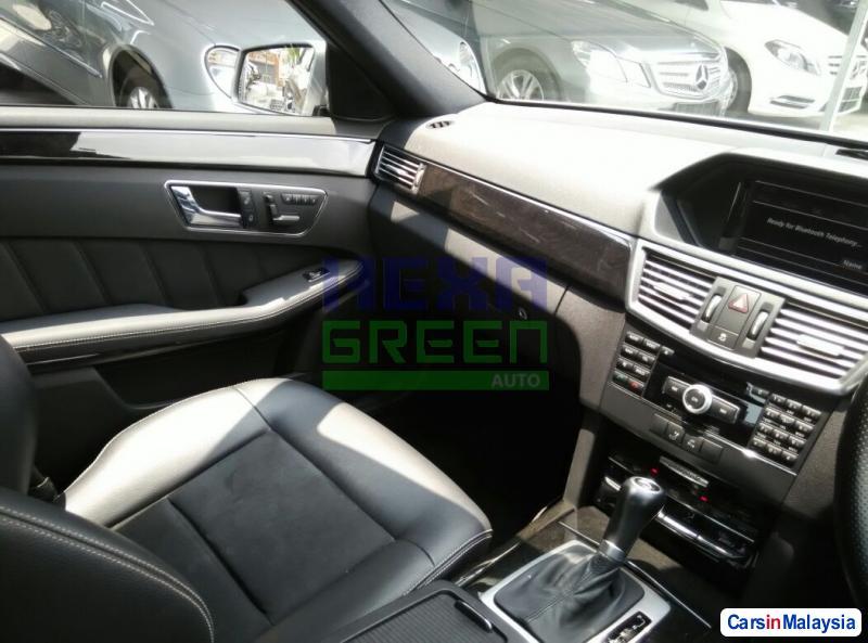 Mercedes Benz E250 Automatic 2010 - image 10