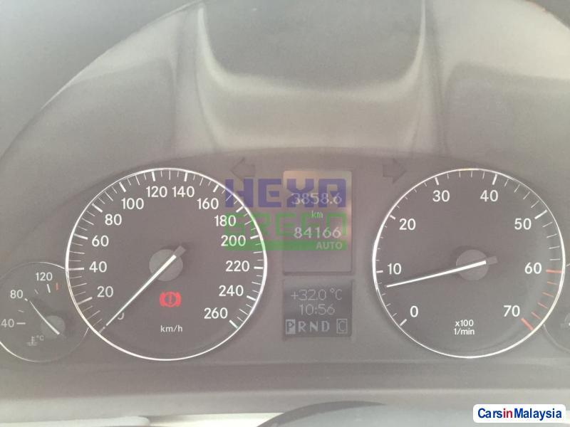 Mercedes Benz C-Class Automatic 2004 - image 10