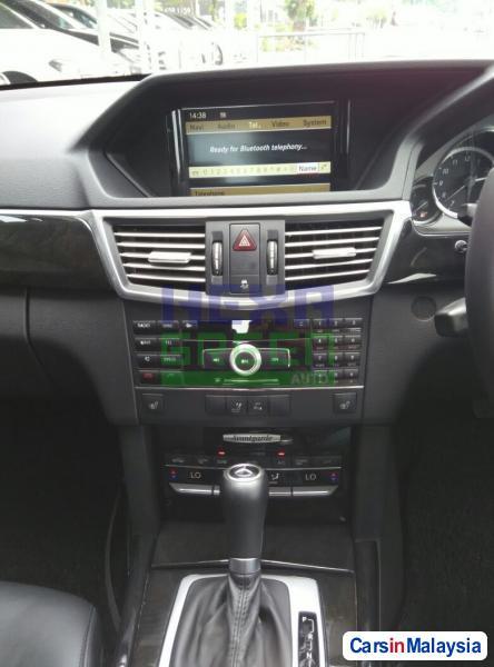 Mercedes Benz E200 Automatic 2009 - image 11