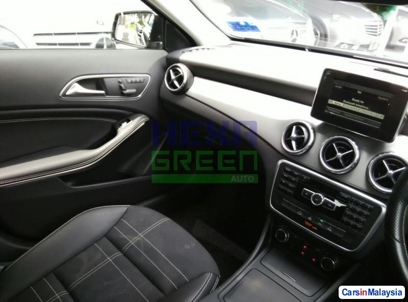 Mercedes Benz GLA200 Automatic 2014 - image 11