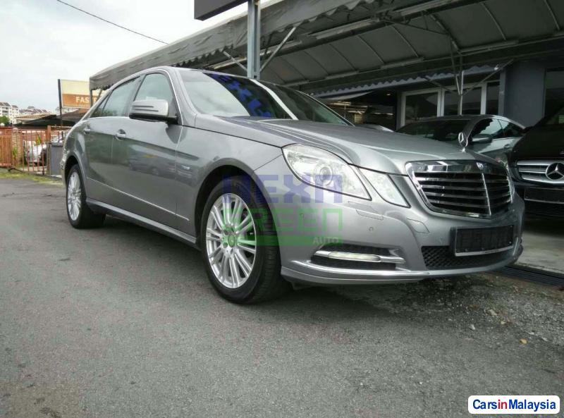 Picture of Mercedes Benz E200 CGI Automatic 2012