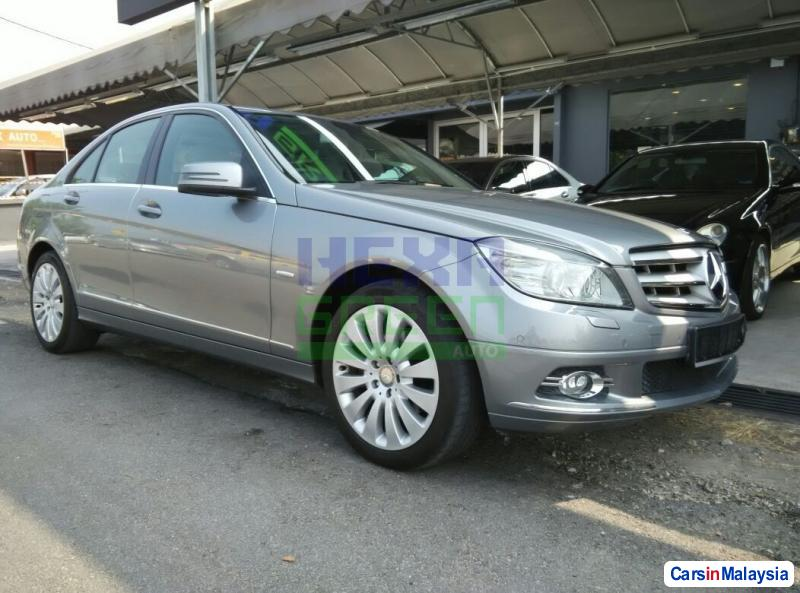 Pictures of Mercedes Benz C-Class Automatic 2010
