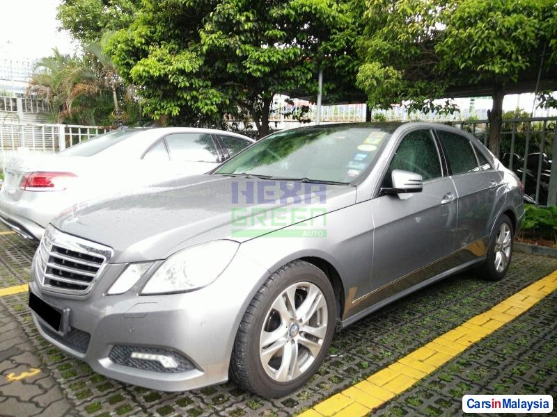 Picture of Mercedes Benz E300 Automatic 2010