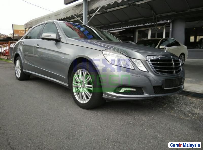 Picture of Mercedes Benz E200 2010
