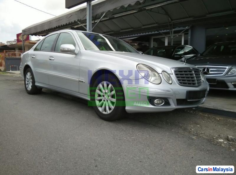 Pictures of Mercedes Benz E200K Automatic 2007