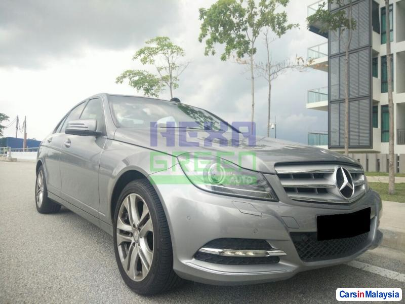 Pictures of Mercedes Benz C-Class Semi-Automatic 2013