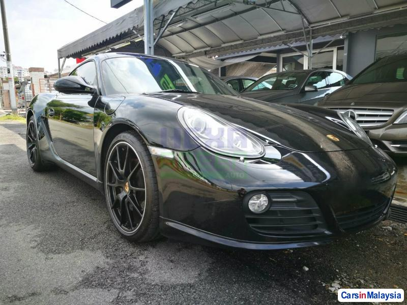 Picture of Porsche Cayman Automatic 2011