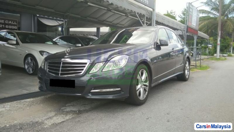 Picture of Mercedes Benz E250 CGI 2010