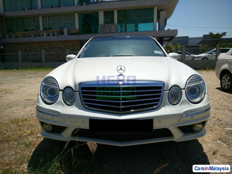 Mercedes Benz E240 Automatic 2005