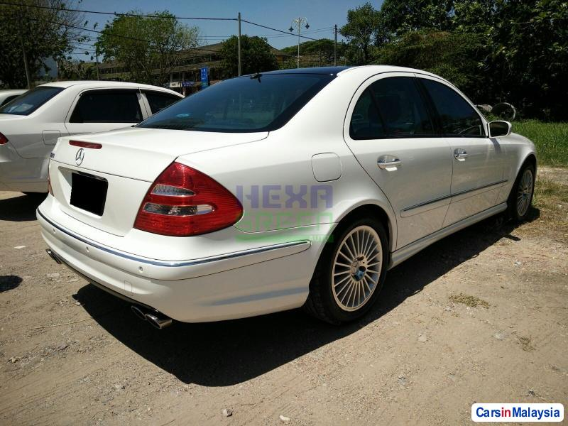 Mercedes Benz E240 Automatic 2005 in Penang