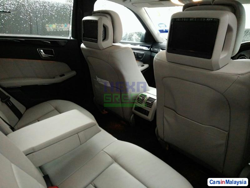 Mercedes Benz E300 Automatic 2010 in Penang