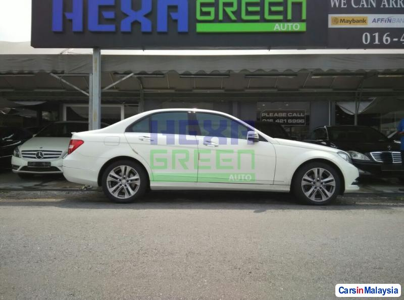 Mercedes Benz C-Class Automatic 2014 in Penang