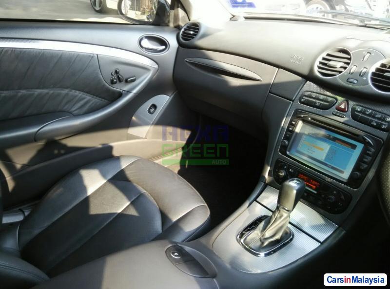 Mercedes Benz CLK-Class Automatic 2004 - image 9