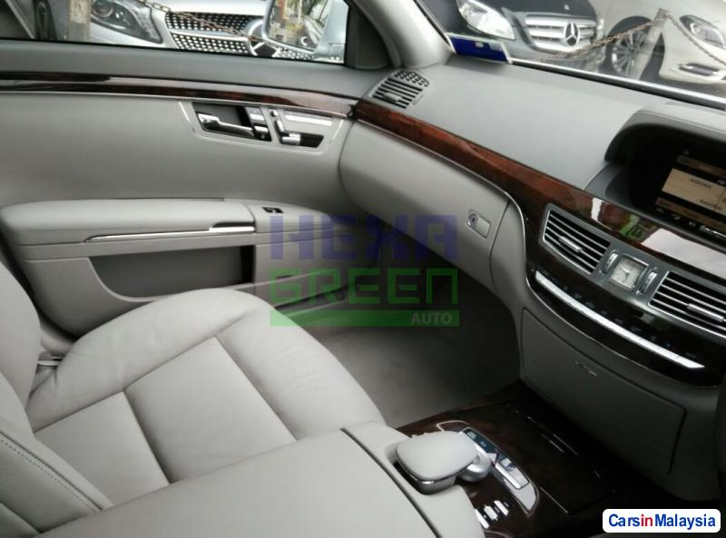 Mercedes Benz S300L Automatic 2011 - image 9