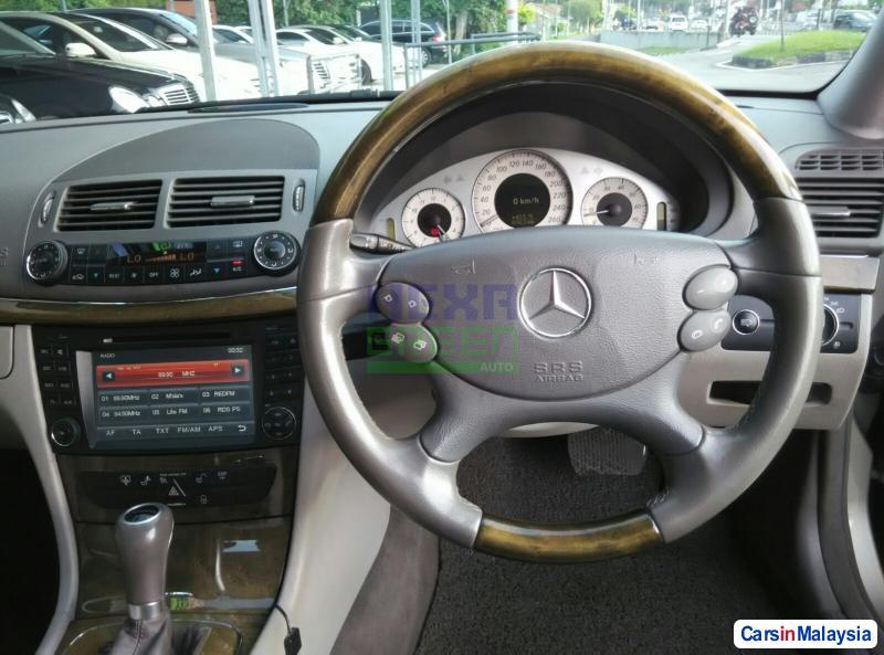 Mercedes Benz E280 Automatic 2007 - image 9