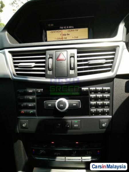 Mercedes Benz E250 Automatic 2012 - image 9