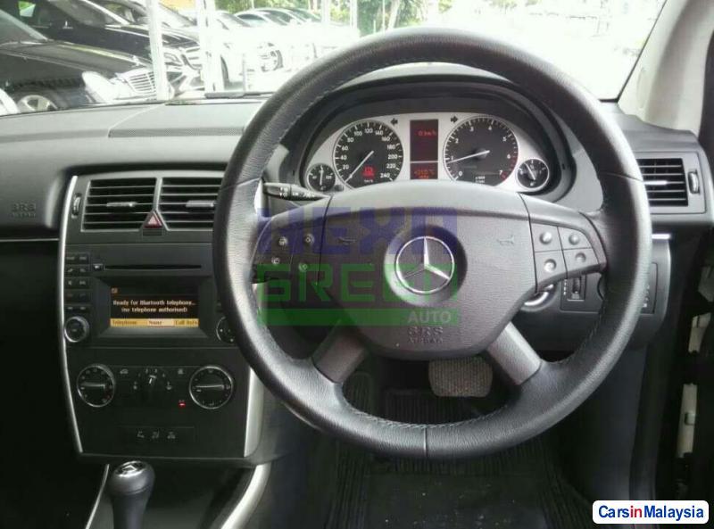 Mercedes Benz B170 Semi-Automatic 2008 - image 9