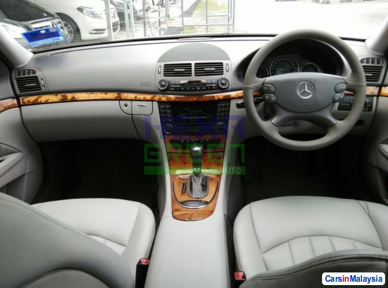 Mercedes Benz E200K Automatic 2007 - image 9