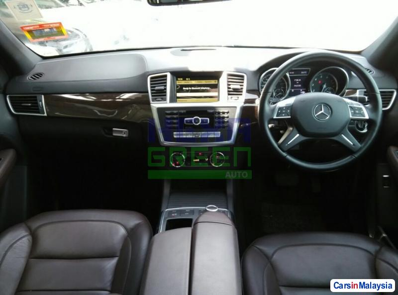 Mercedes Benz ML350 Automatic 2012 - image 9