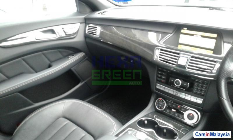 Mercedes Benz CLS350 2012 - image 9