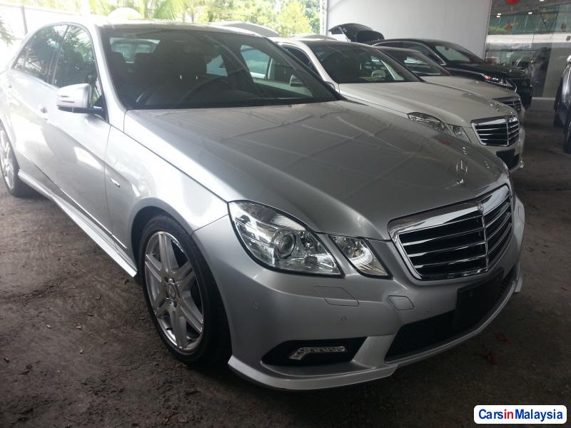 Pictures of Mercedes Benz E250 Semi-Automatic 2010