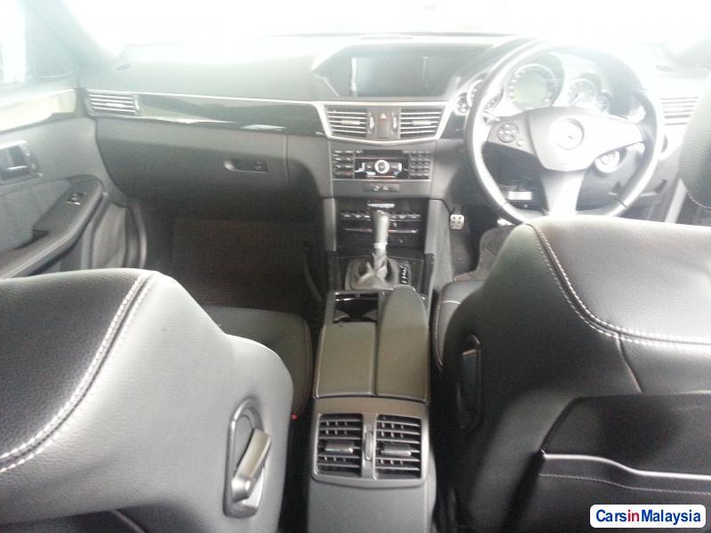 Mercedes Benz E250 Semi-Automatic 2010 in Malaysia - image