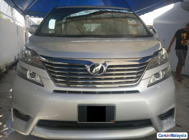 Picture of Toyota Vellfire 2009
