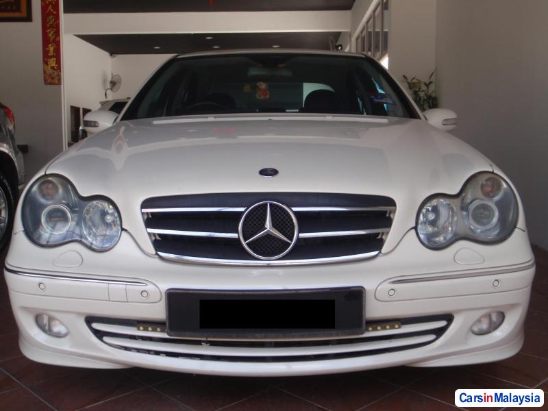 Pictures of Mercedes Benz 230 2005