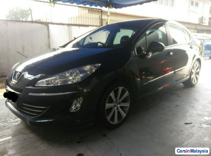 Peugeot 408 Automatic 2012 - image 2