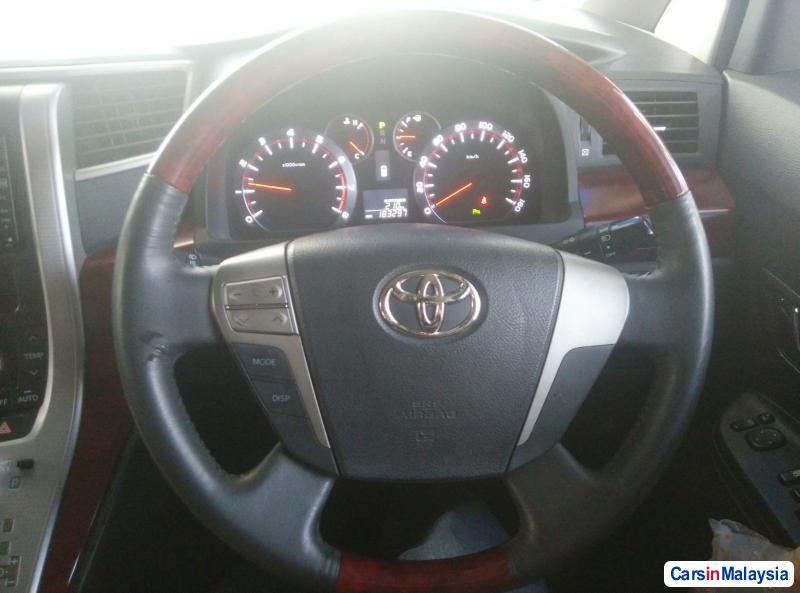 Toyota Vellfire 2009 in Kuala Lumpur