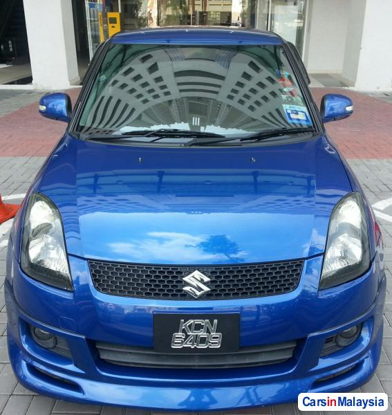 Pictures of Suzuki Swift Automatic 2009