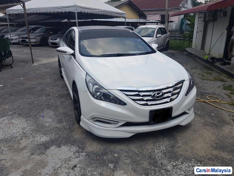 Pictures of Hyundai Sonata Automatic