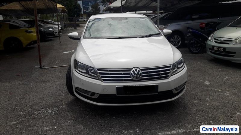 Volkswagen Passat Automatic - image 2